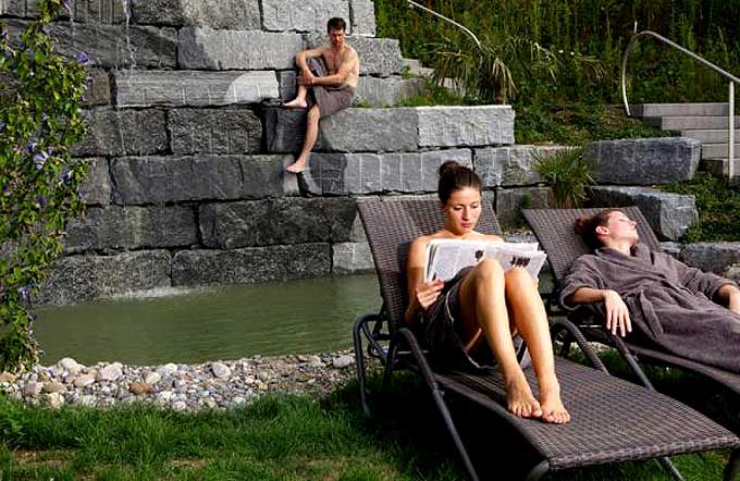 aquabasilea-sauna-aussenbereich-1_35ec86cb8fb51f133cd4afc0e768ddb9