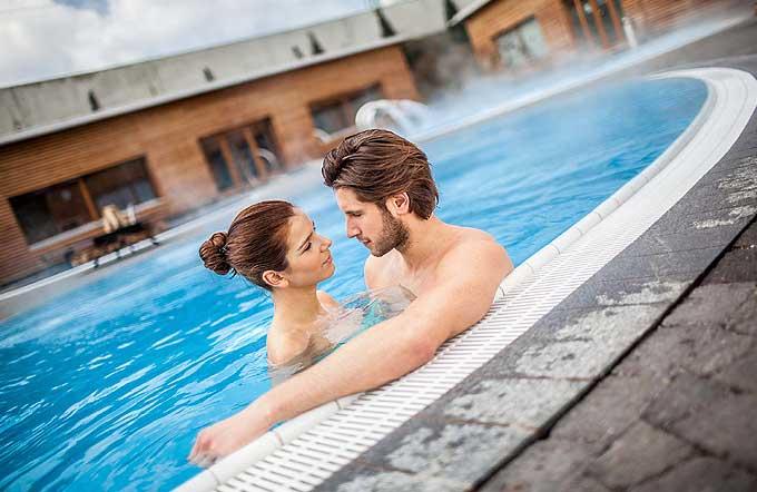 aquabasilea-sauna-pool-2_b7c753fb25d24519f25f24ba18f35857