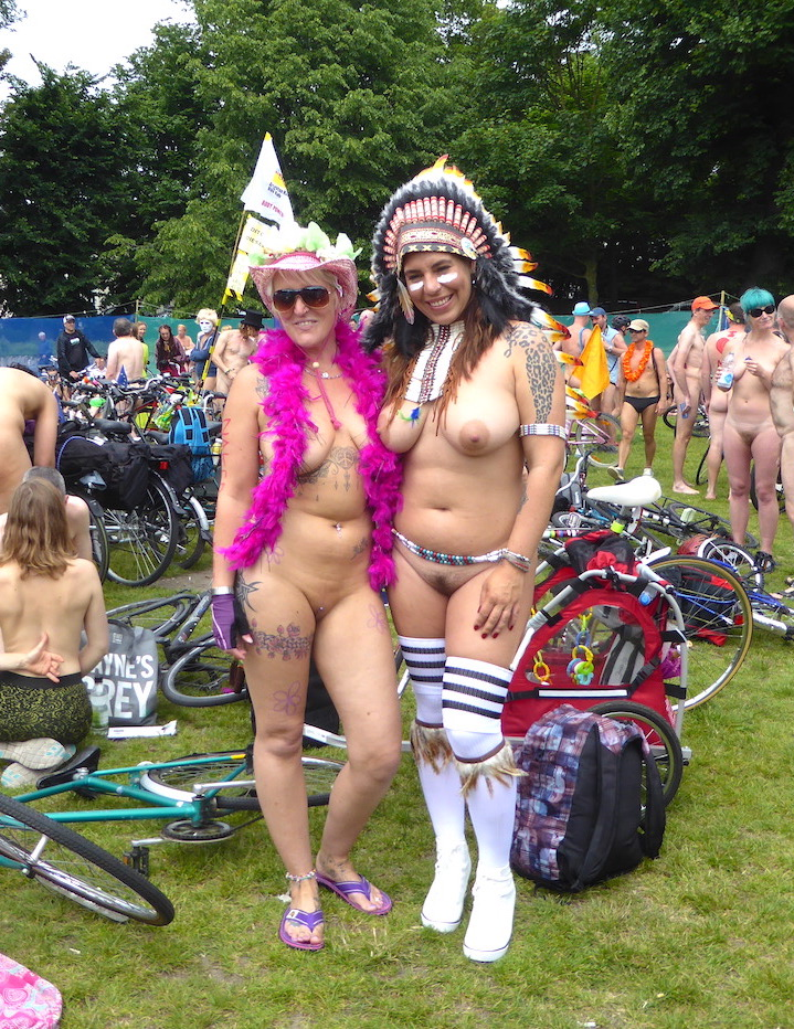 brighton_world_naked_bike_ride_2017